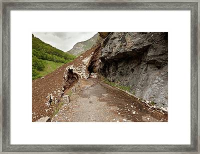 Valle D'ossoue Blocked By Snow Framed Print by Bob Gibbons