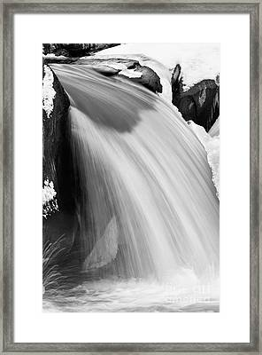 Valley Falls D30009153_bw Framed Print