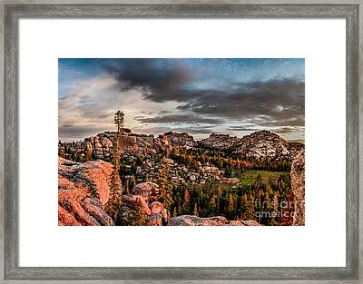 Vedauwoo View Framed Print by Steven Reed