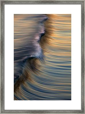 Vertical Wave  Mg0420 Framed Print