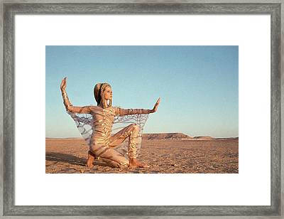Veruschka Von Lehndorff Posing In A Desert Framed Print by Franco Rubartelli