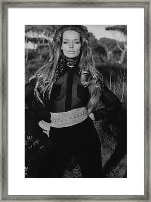 Veruschka Von Lehndorff Wearing A Wearing A Vogue Framed Print by Franco Rubartelli