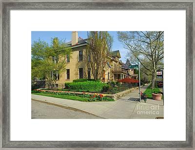 D47l-15 Victorian Village Photo Framed Print