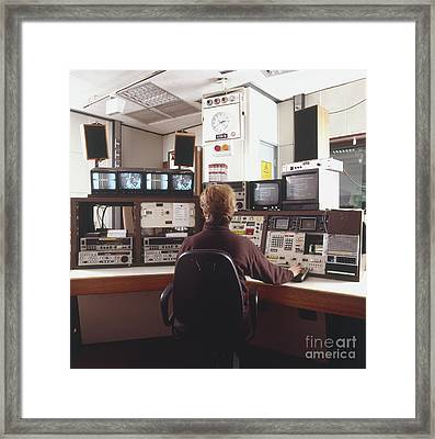 Videpo Editing Engineer Framed Print by Matthew Ward / Dorling Kindersley