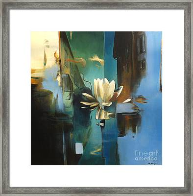 Vielle Ville Framed Print by Lin Petershagen