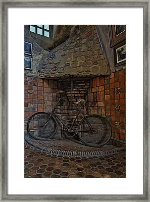 Vintage Bicycle Framed Print by Susan Candelario