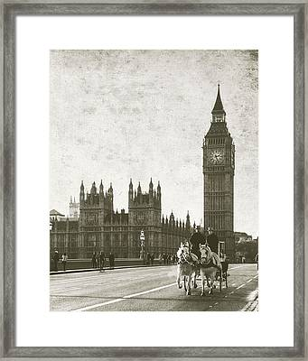 Vintage Horse And Carriage In London Framed Print by Susan Schmitz