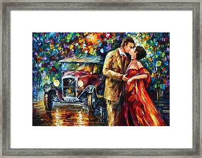 Vintage Kiss Framed Print by Leonid Afremov