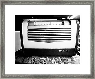 Vintage Radio Framed Print by Edward Fielding
