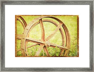 Vintage Rusty Wheel Framed Print by Lesley Rigg