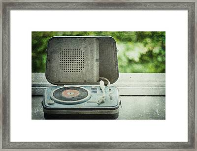 Vintage Sounds Framed Print by Georgia Fowler