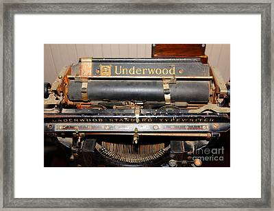 Vintage Underwood Typewriter 5d25836 Framed Print by Wingsdomain Art and Photography