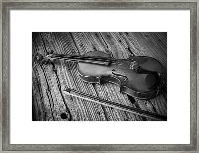 Violin In Black And White Framed Print by Garry Gay
