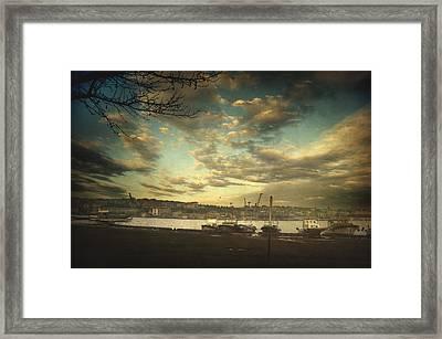 Void 17.03 Framed Print