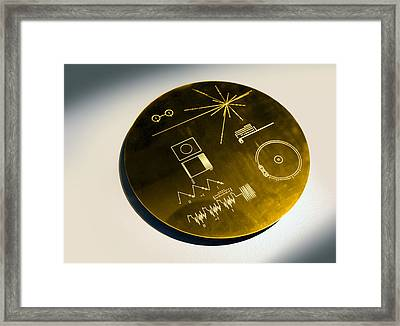 Voyager Spacecraft Plaque, Artwork Framed Print by Science Photo Library
