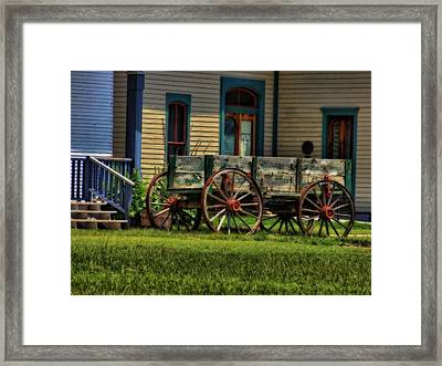Wagon In The Old West Framed Print by Dan Sproul