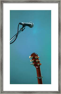 Waiting For The Gig Framed Print by Nigel Jones
