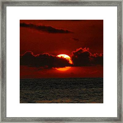 Waiting For The Green Flash That Never Framed Print