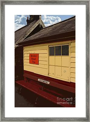 Waiting Framed Print by Gordon Wood