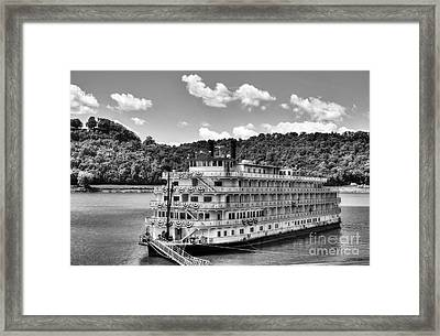 Waiting On The Levee Bw Framed Print by Mel Steinhauer