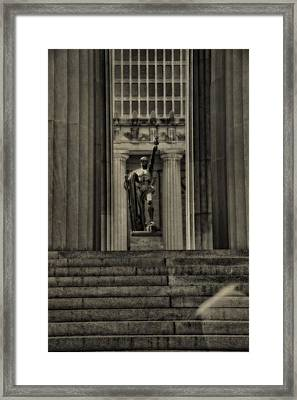 War Memorial Auditorium Nashville Framed Print by Dan Sproul