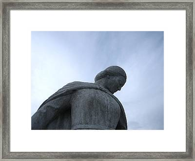 War Memorial  Framed Print by Cheryl Hoyle