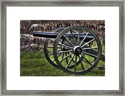 War Thunder - 4th New York Independent Battery 2a - In The Slaughter Pen Near Devils Den Gettysburg Framed Print