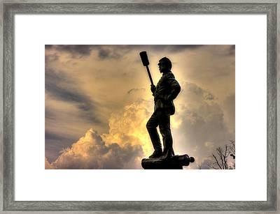 War Thunder - The Clouds Of War - 4th New York Independent Battery Near Devils Den Gettysburg Framed Print by Michael Mazaika