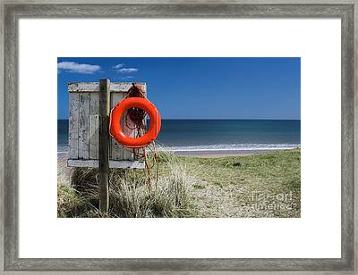 Framed Print featuring the photograph Warkworth Beach Northumberland Coast by Les Bell