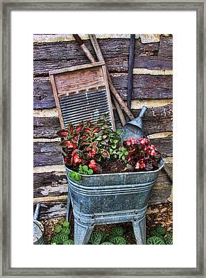 Wash Tub Planter Framed Print by Linda Phelps