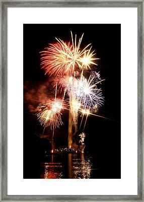 Washington Monument Fireworks 2 Framed Print by Stuart Litoff