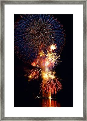 Washington Monument Fireworks 3 Framed Print by Stuart Litoff