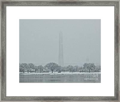 Washington Monument Framed Print