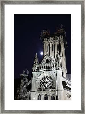 Washington National Cathedral - Washington Dc - 0113113 Framed Print by DC Photographer