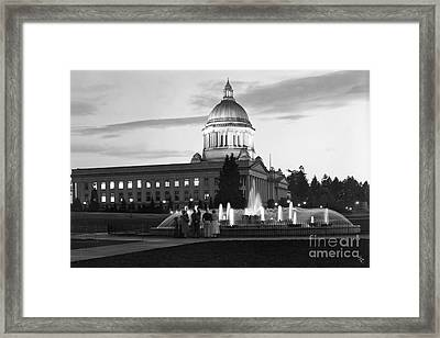 Washington State Capitol And Tivoli Fountain At Dusk 1950 Framed Print by Merle Junk