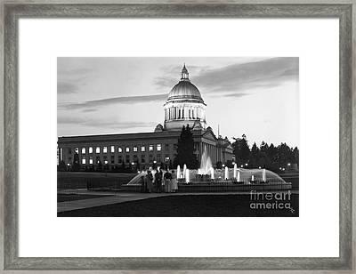 Washington State Capitol And Tivoli Fountain At Dusk 1950 Framed Print