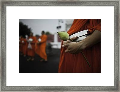 Wat Bencha Gathering Framed Print by David Longstreath