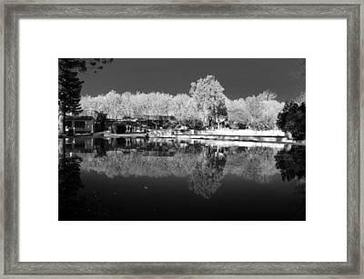 Wat Er Mirror Framed Print