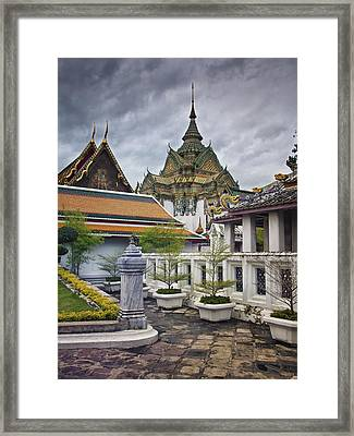 Wat Pho Temple Gardens Framed Print by Kim Andelkovic