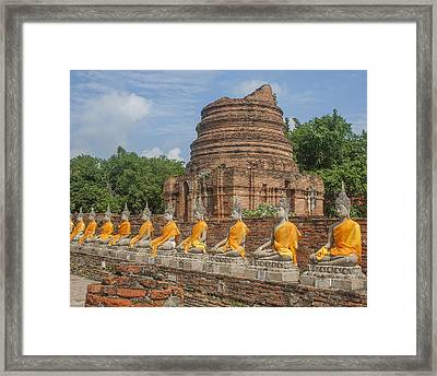 Wat Phra Chao Phya-thai Buddha Images And Ruined Chedi Dtha005 Framed Print