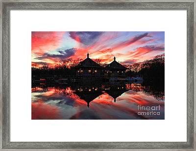 Water Glow Marina Framed Print by Leslie Kirk