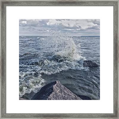 Framed Print featuring the photograph Wave Splash by Nikki McInnes