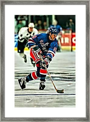 Wayne Gretzky Skating Framed Print by Florian Rodarte