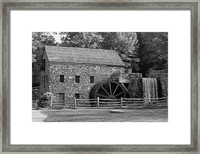 Wayside Grist Mill - Sudbury Massachusetts Framed Print by Suzanne Gaff