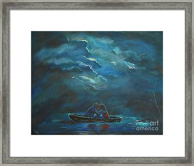 Weathering The Storm Framed Print by Leslie Allen