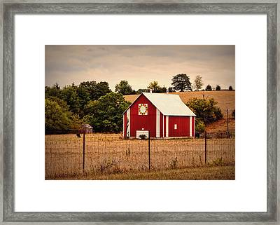 Wedding Ring Quilt Barn Framed Print