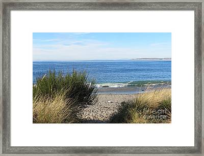 Welcoming Wave Framed Print