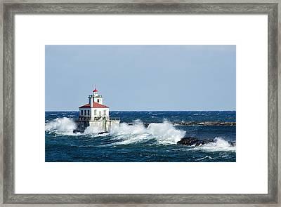 West Pierhead Lighthouse Framed Print by Everet Regal