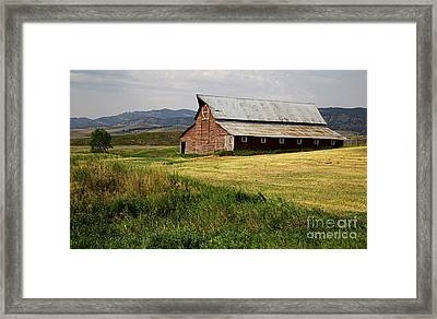 Western Barn Montana Framed Print by Edward Fielding