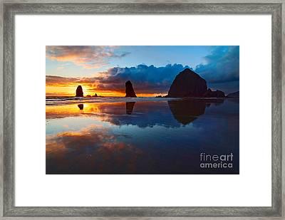 Wet Paint - Sunset In Oregon Framed Print